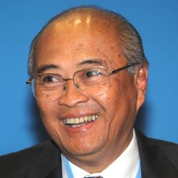 Team: Kuntoro Mangkusubroto
